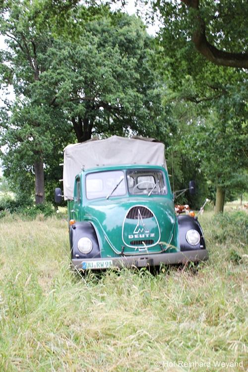 Transportfahrzeug JHV 2015 auf dem Hof Weyand in Duisburg